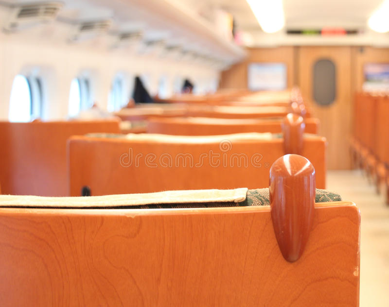 Seat binnen Shinkansen (ultrasnelle trein), Japan stock afbeelding