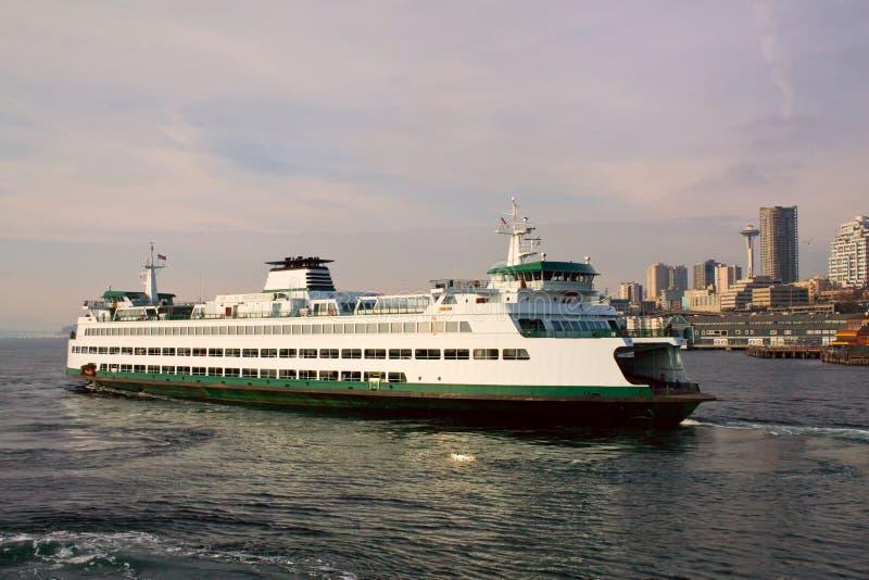 Seattle à balsa de Bremerton imagens de stock