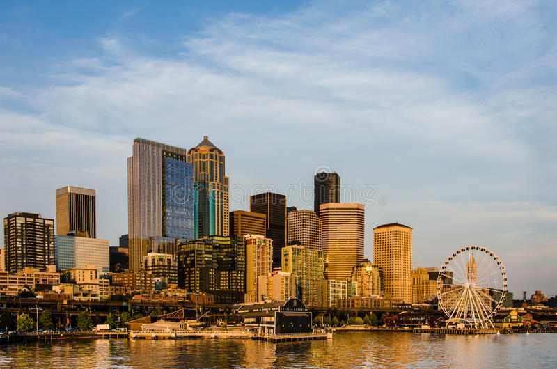 Download Seattle City Skyline editorial stock image. Image of panorama - 33088774