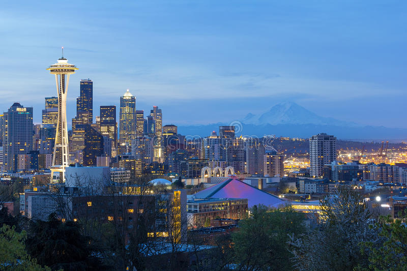 Seattle Cityscape at Twilight with Mt. Rainier royalty free stock photography