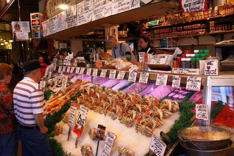 Seattle - de Teller bij de Markt van de Vissen van de Plaats van Snoeken stock foto's