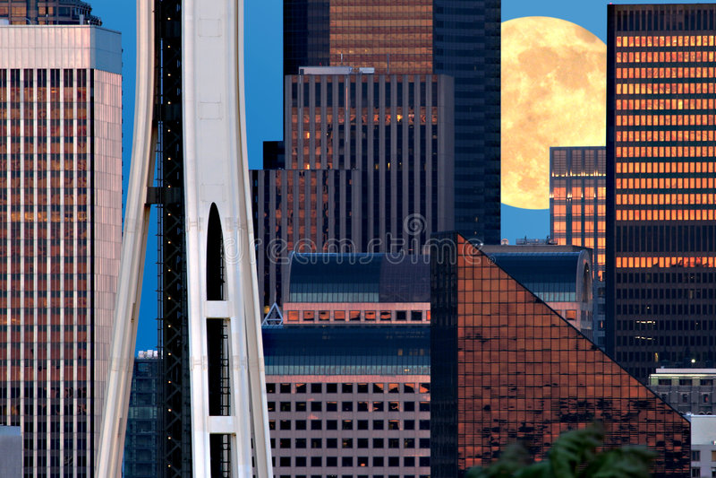 Seattle en maan stock foto