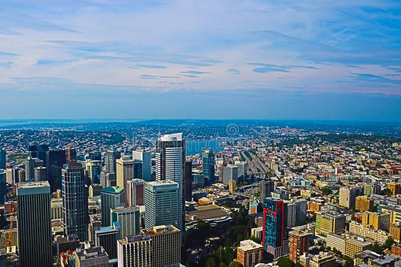 Seattle, EUA, o 31 de agosto de 2018: Ideia da skyline do centro de Seattle em Seattle Washington fotografia de stock