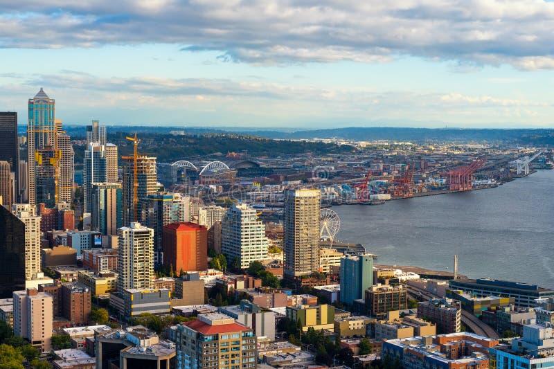 Seattle im Stadtzentrum gelegen lizenzfreies stockbild