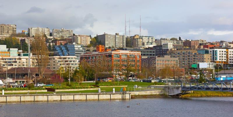 Seattle miasta sąsiedztwo przy Jeziornym Zrzeszeniowym nabrzeżem, usa fotografia stock