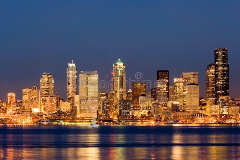 Seattle nachts stockbild
