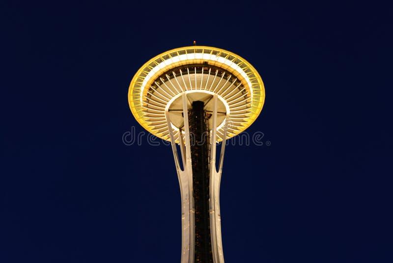 Seattle-Raum-Nadel an der Dämmerung lizenzfreies stockfoto