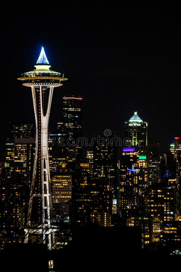 Seattle-Raum-Nadel nachts lizenzfreie stockfotografie