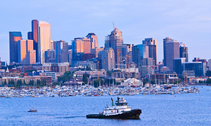 Download Seattle Skyline On Lake Union During Sunset Editorial Photo - Image: 20705766