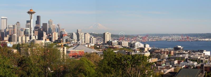 Seattle-Skyline-Panorama stockfotos