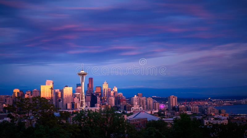 Seattle-Skyline am Sonnenuntergang stockfoto