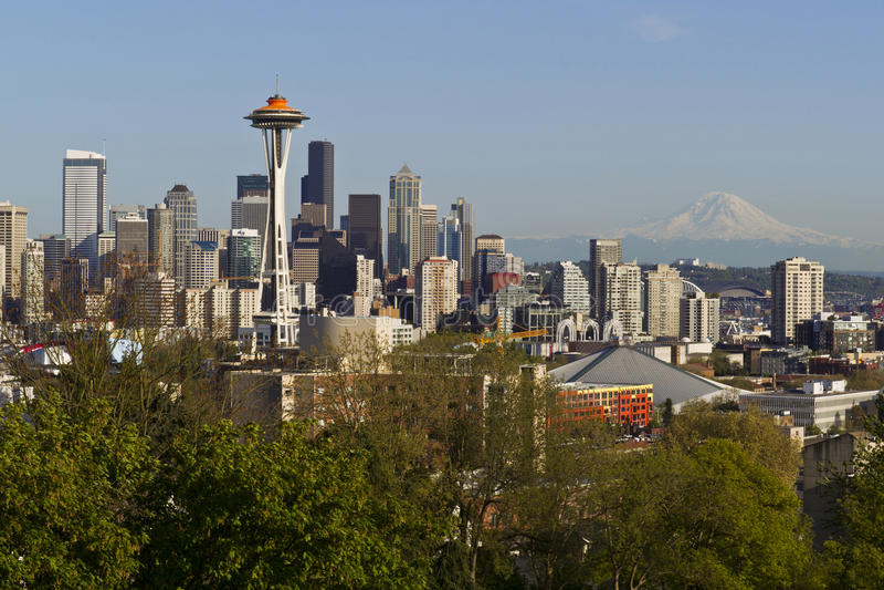 Seattle-Stadt-Skyline-im Frühjahr Zeit stockfoto