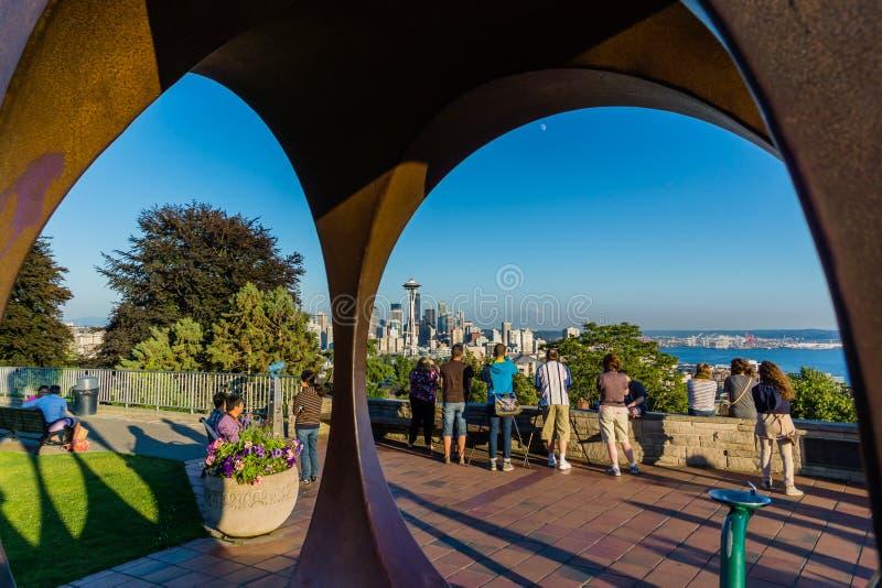 Seattle turyści bierze obrazki przy półmrokiem zdjęcia stock