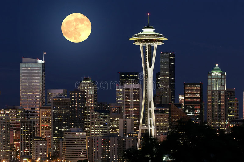 Seattle und Vollmond #2 stockbilder