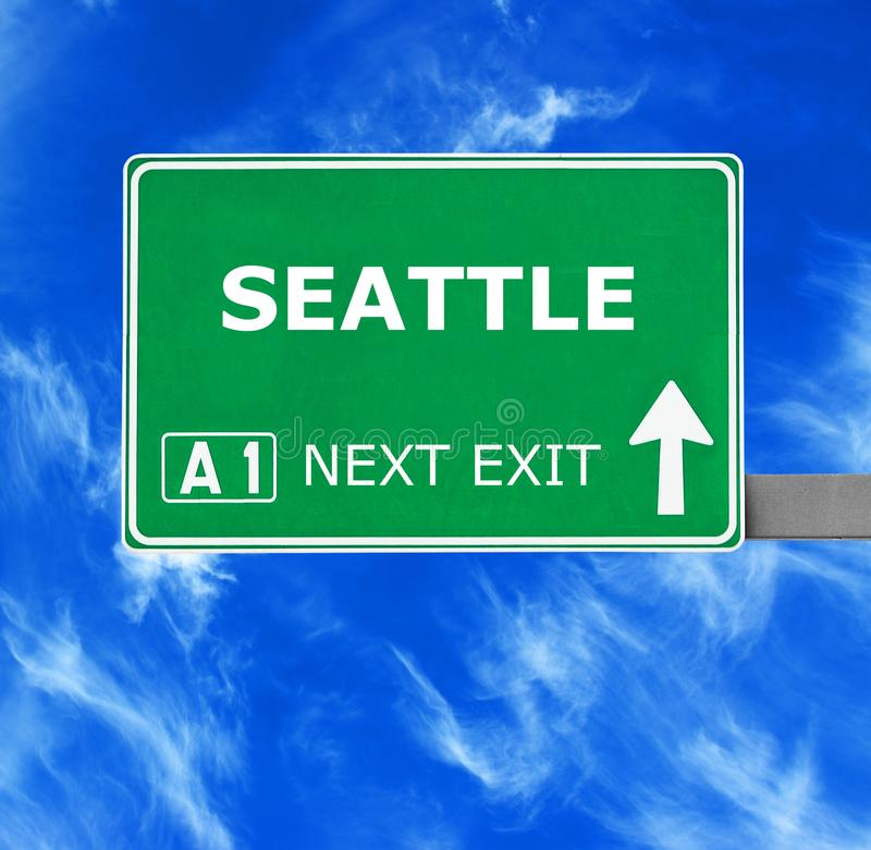 SEATTLE-Verkehrsschild gegen klaren blauen Himmel stockfoto