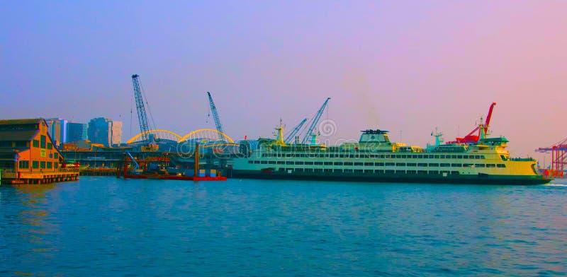 Seattle, Washington, Estados Unidos, usa janvier, 10, 2019, barco do Estado de Washington, em Elliott Bay, deixando Seattle imagem de stock royalty free