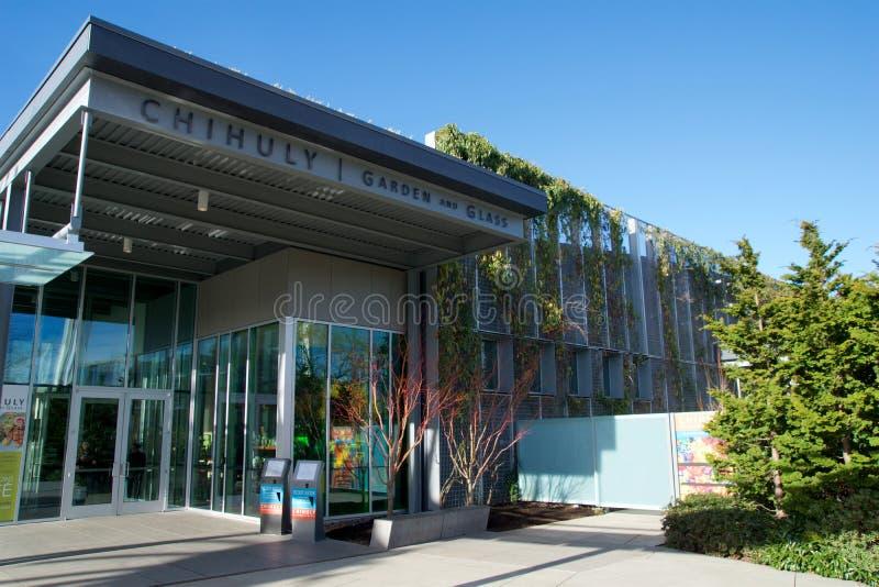 SEATTLE, WASHINGTON, Etats-Unis - 23 janvier 2017 : Entrée principale du jardin de Chihuly et du musée en verre images stock
