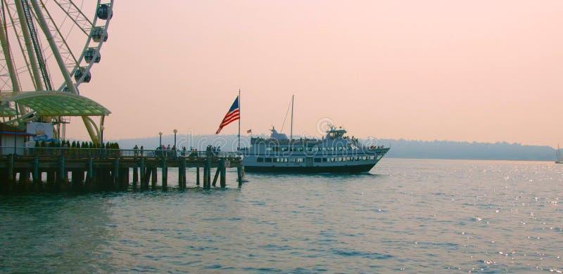 Seattle, Washington, United States usa  janvier ,10, 2019  A ferry boat inbound in Seattle , tourist attractions in Seattle 2019. Seattle, Washington, United stock images