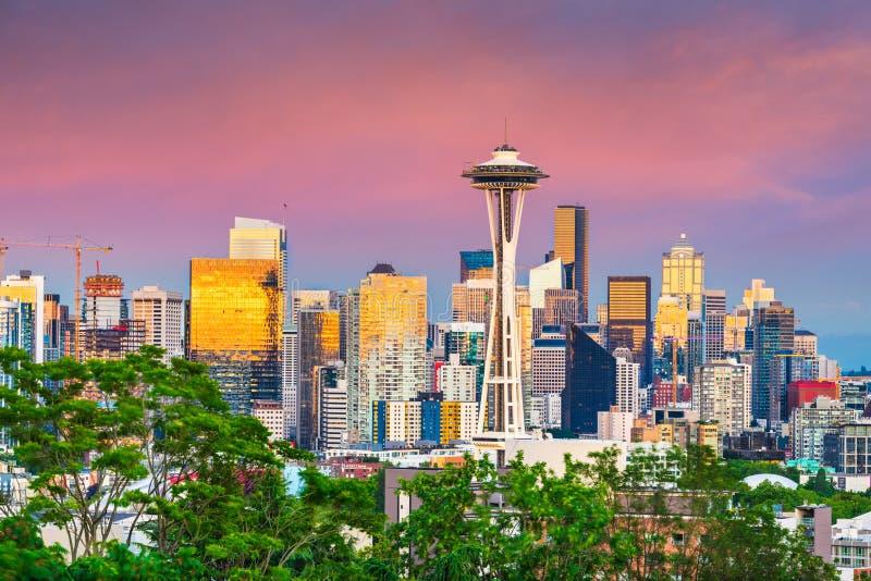 Seattle Washington, USA i stadens centrum horisont på natten royaltyfri fotografi