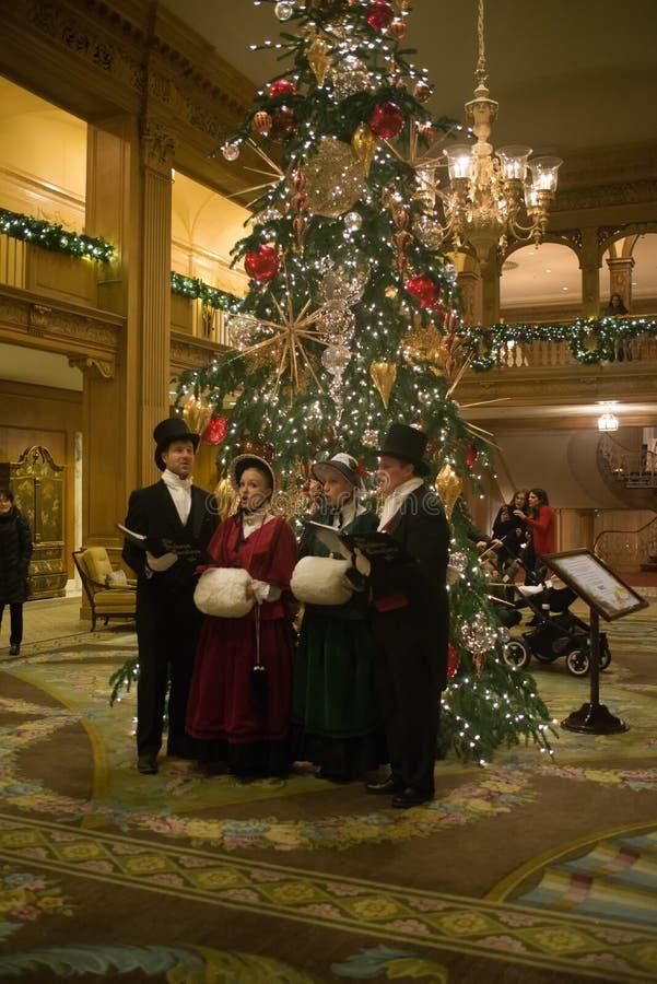 Seattle, Waszyngtońskiego †mężczyzna i kobiety ubiera trad 'grupa zdjęcia royalty free