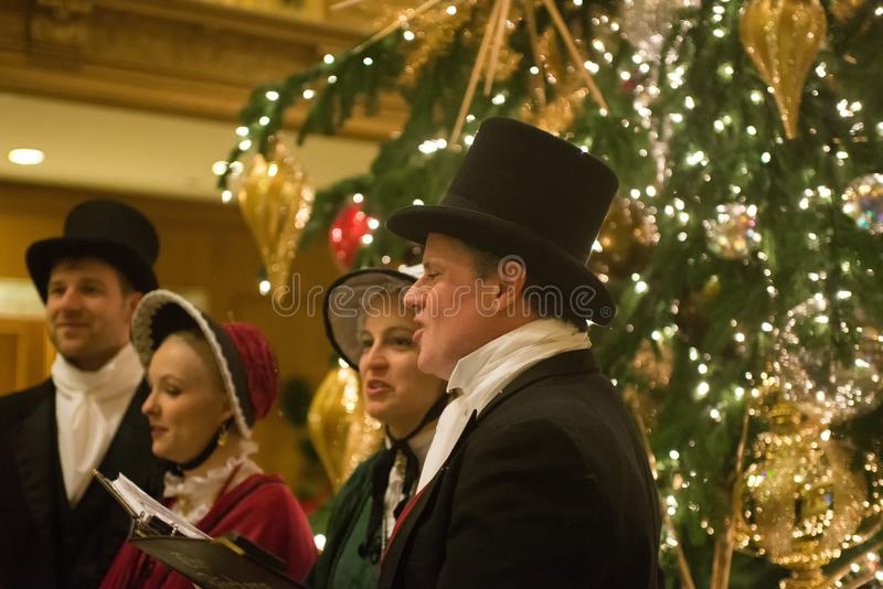 Seattle, Waszyngtońskiego †mężczyzna i kobiety ubiera trad 'grupa zdjęcie royalty free