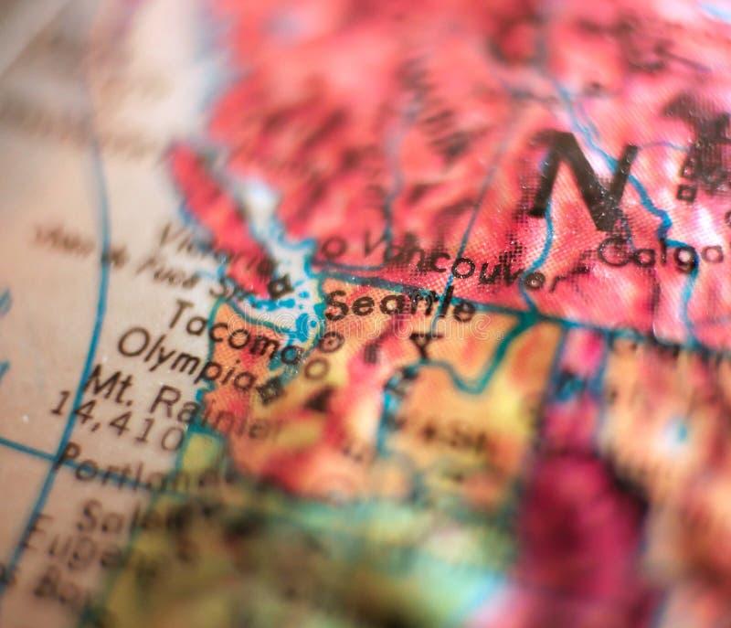 Seattle, Waszyngtońskiej usa ostrości makro- strzał na kuli ziemskiej mapie dla podróż blogów, ogólnospołecznych środków, sieć sz obrazy royalty free