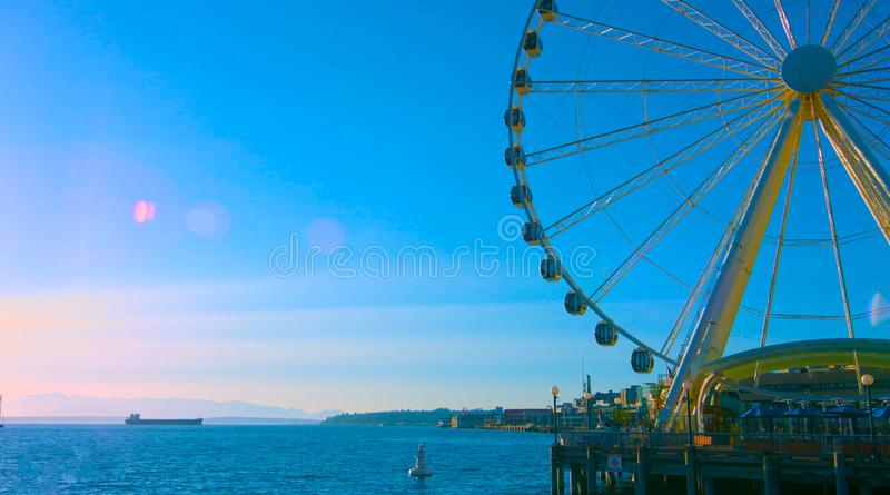 Seattle, Waszyngton,/usa - mai 7, 2019 Wielkiego koła ferris koło, ikonowy punkt zwrotny w Seattle zdjęcia royalty free