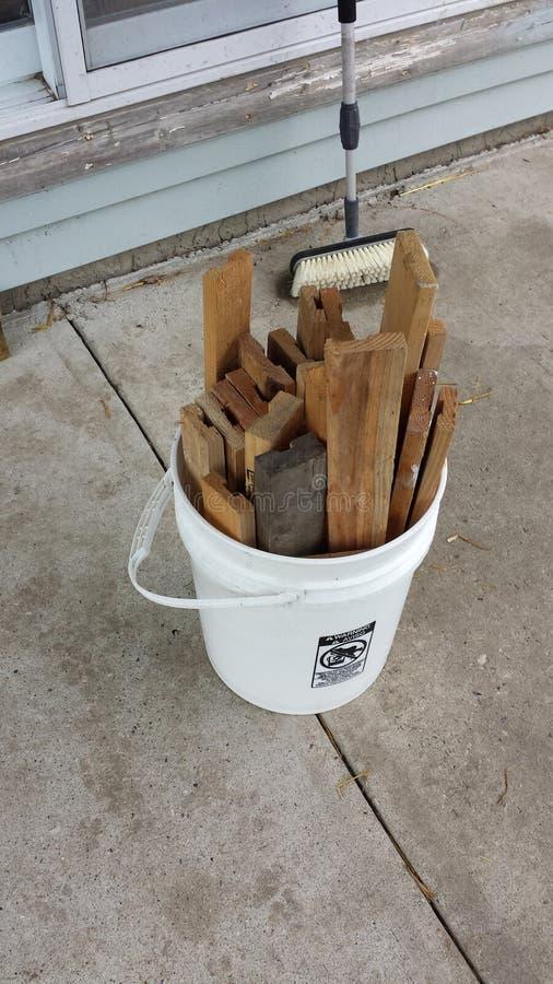 Seau en bois assorti photographie stock