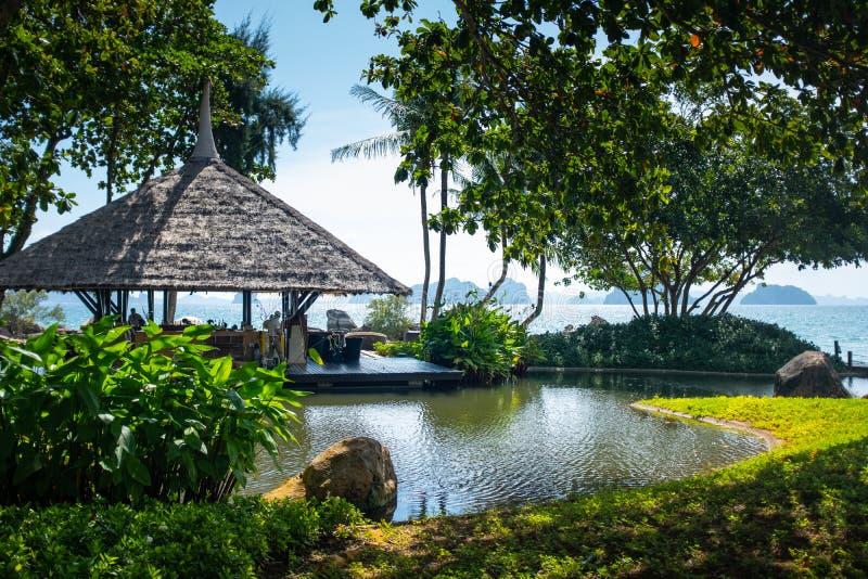 Seaview stång på Krabi, Thailand arkivfoto