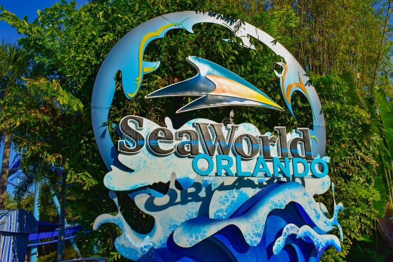 Seaworld tecken på nöjesfältet Orlando Florida Februari 26, 2019 fotografering för bildbyråer