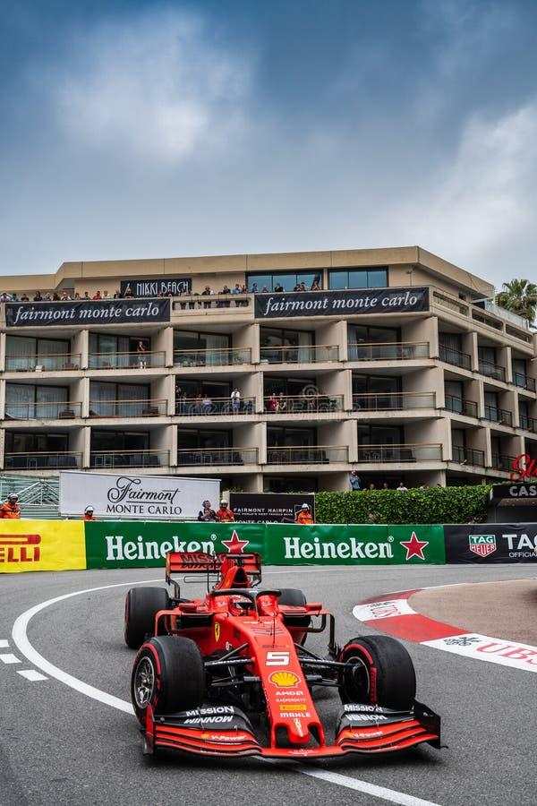 #5 Sebastian Vettel GER, Ferrari, SF90 gegen das Fairmont-Hotel stockbilder