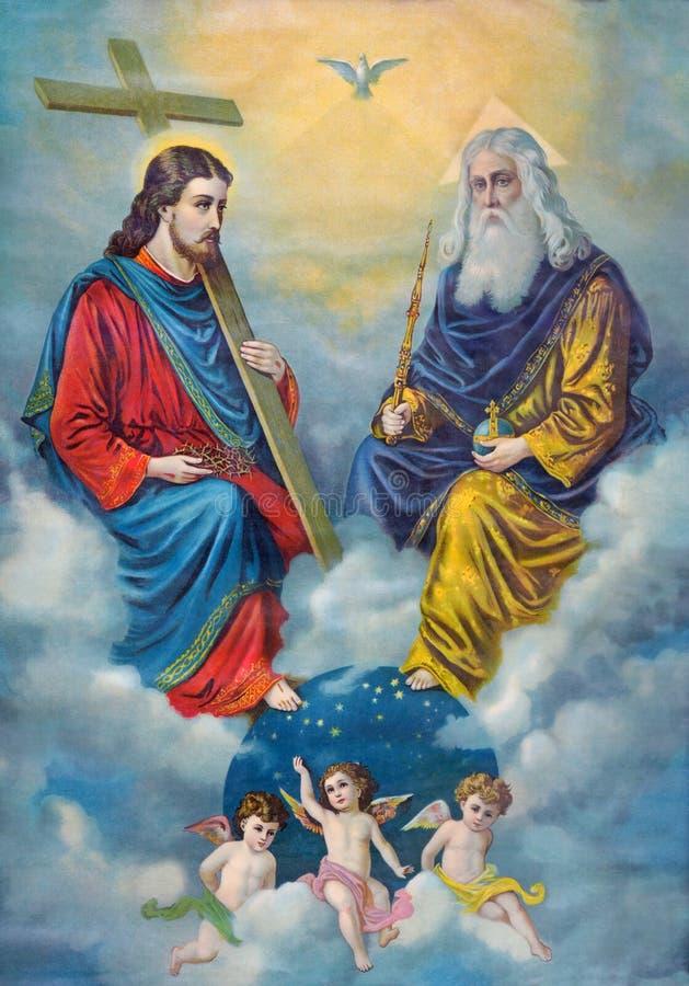SEBECHLEBY, ESLOVAQUIA: Imagen católica típica de la trinidad santa del final de 19 centavo diseñado originalmente por u imagen de archivo libre de regalías