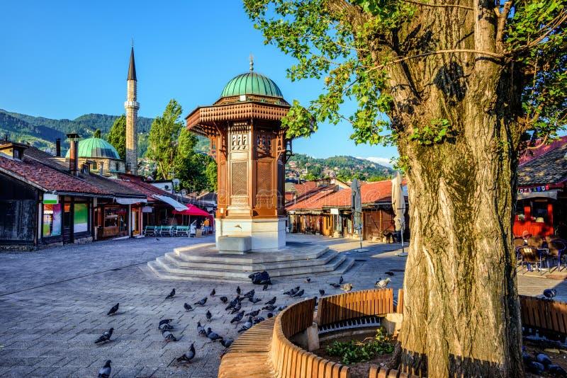 Sebilj喷泉在老镇萨拉热窝,波斯尼亚 免版税库存图片