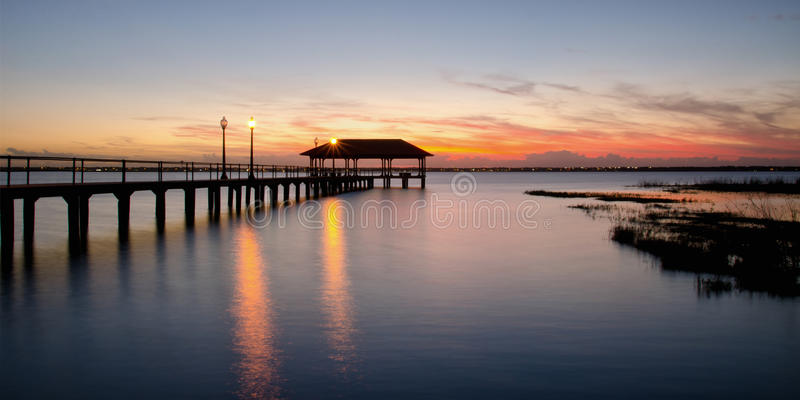 Sebring在日落的市码头,佛罗里达 免版税库存照片