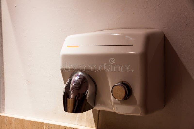 Secador a ar no toalet foto de stock royalty free