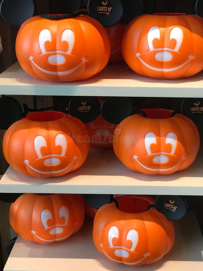 Secchi dell'ossequio o di Mickey Mouse Pumpkin Trick fotografie stock