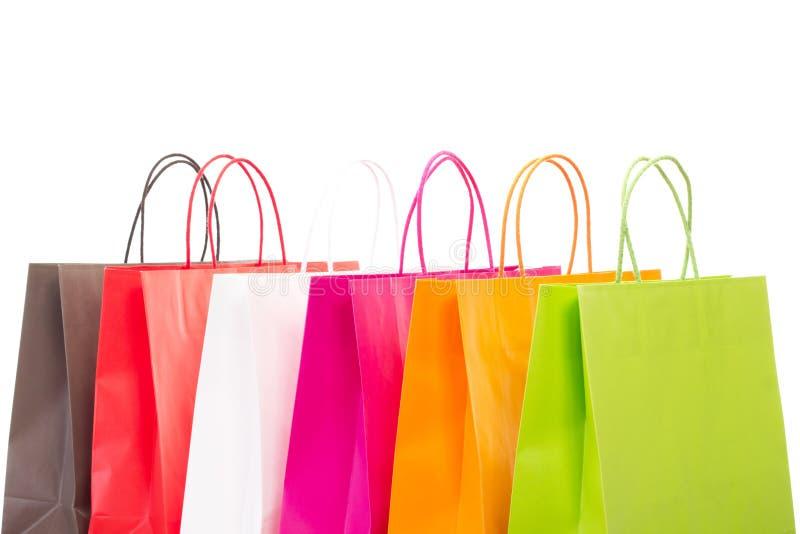 Sechs bunte Einkaufstaschen stockfotos