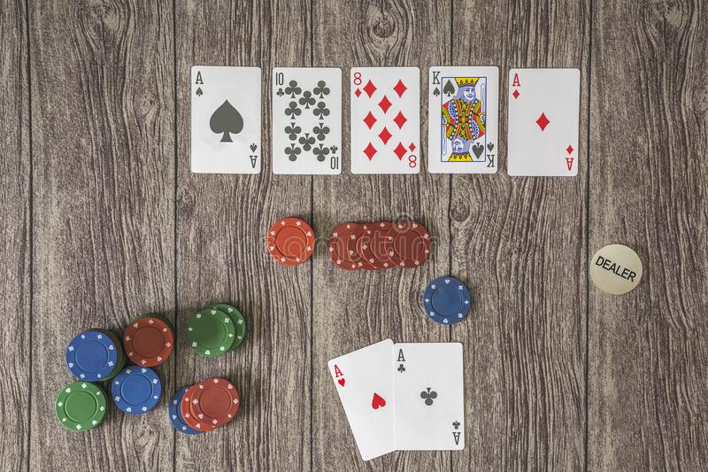 Sechs Kartenpokerthema, Texas-Griff lizenzfreies stockbild