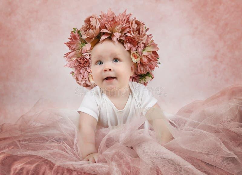 Sechs Monate alte kleine Baby stockfoto