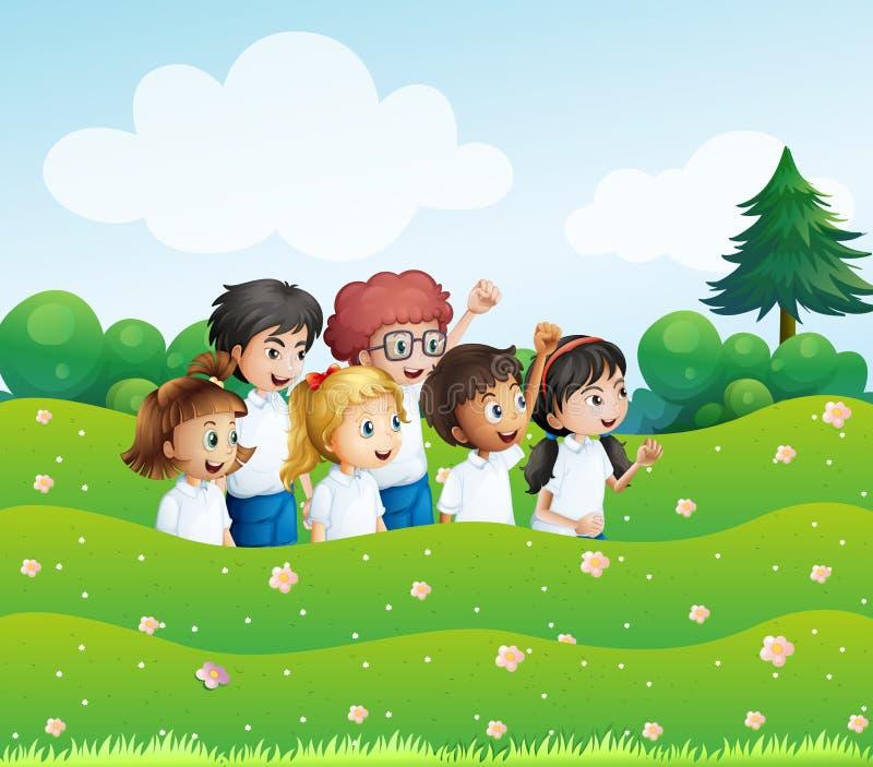 Sechs spielerische Kinder am Hügel lizenzfreie abbildung