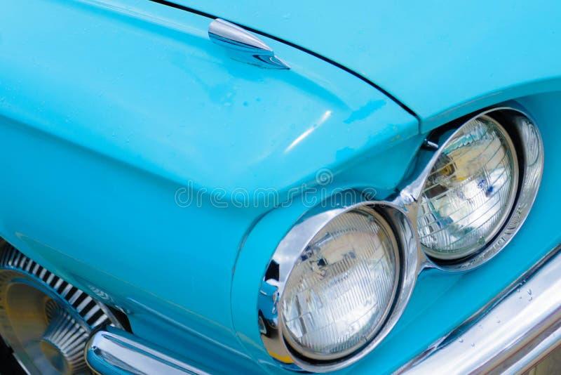 sechziger Jahre Ford Thunderbird-Scheinwerfer lizenzfreie stockfotografie
