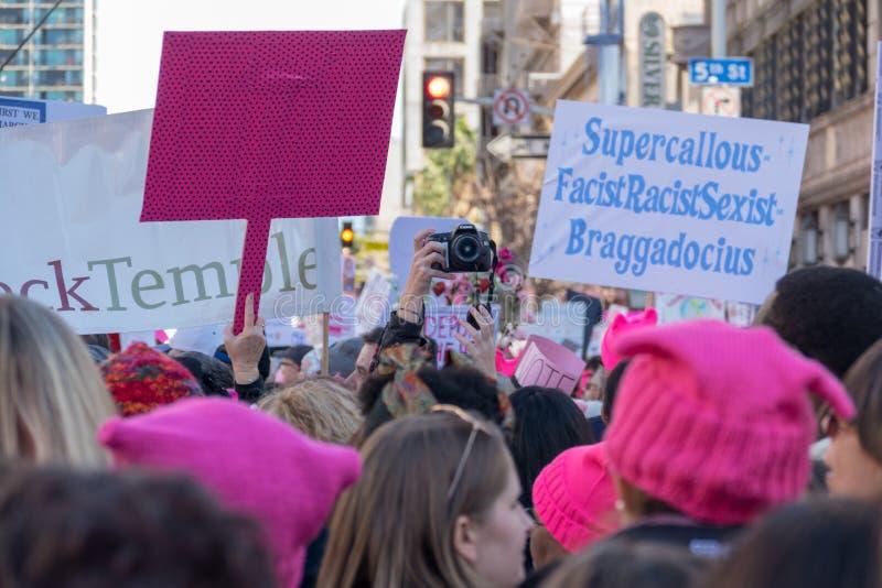 secondo ` annuale s marzo delle donne - macchina fotografica di Canon fotografia stock libera da diritti