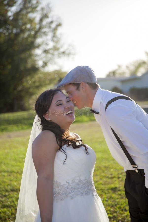 Secreto de los pares de la boda foto de archivo libre de regalías