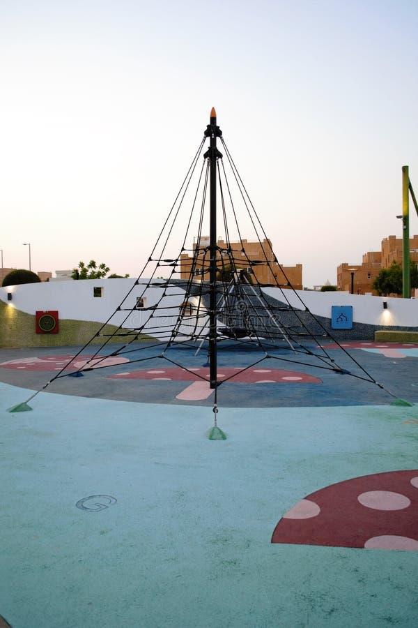 Secteur caoutchouté d'échelle de corde de parc d'enfants image libre de droits