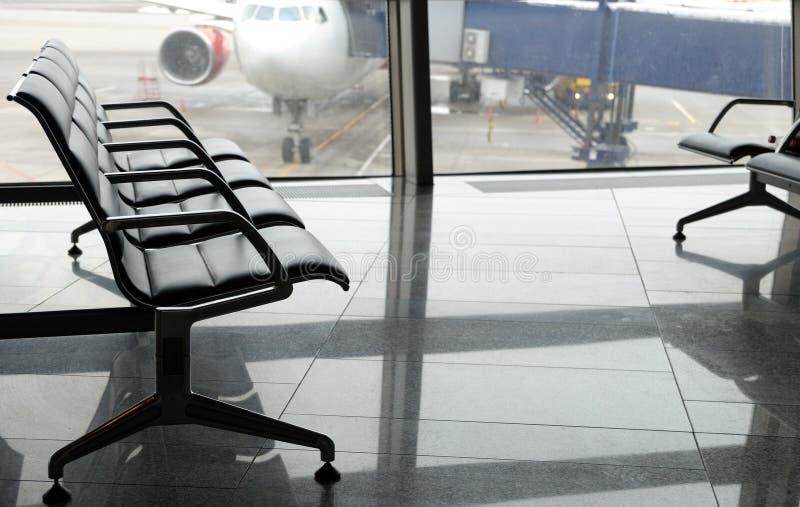 Secteur de départ de terminal d'aéroport à l'intérieur image stock