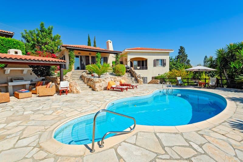 Secteur privé de piscine et de patio images stock