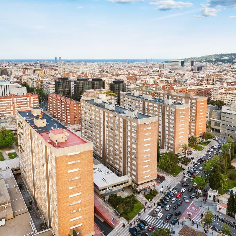 Secteur résidentiel à Barcelone dans la soirée photographie stock