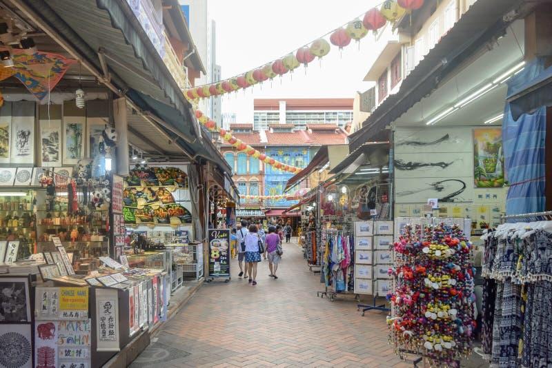 Secteur Singapour de Chinatown avec un bon nombre de divers produits photographie stock libre de droits