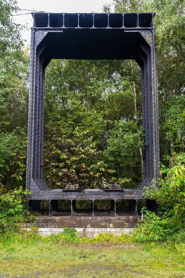 Section de fer travaillé du pont original de Britannia photographie stock