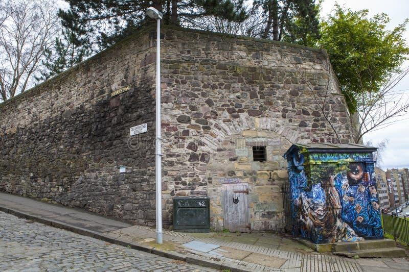 Secton av den Flodden väggen i Edinburg arkivbild